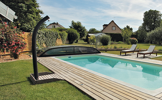 equipement piscine annecy piscines annecy desjoyaux. Black Bedroom Furniture Sets. Home Design Ideas